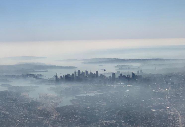 Australian bushfire smoke blankets city
