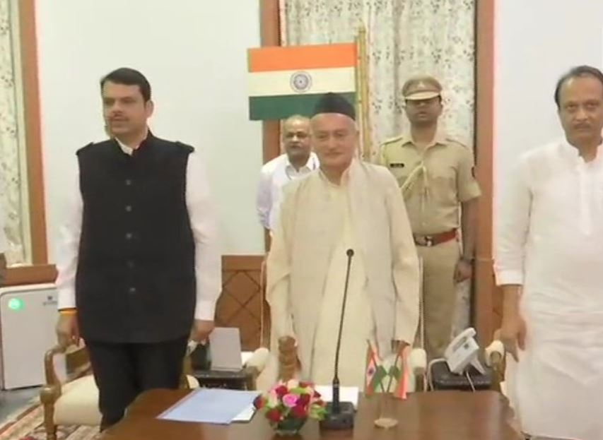 Devendra Fadnavis and Ajit Pawarduring oath ceremony