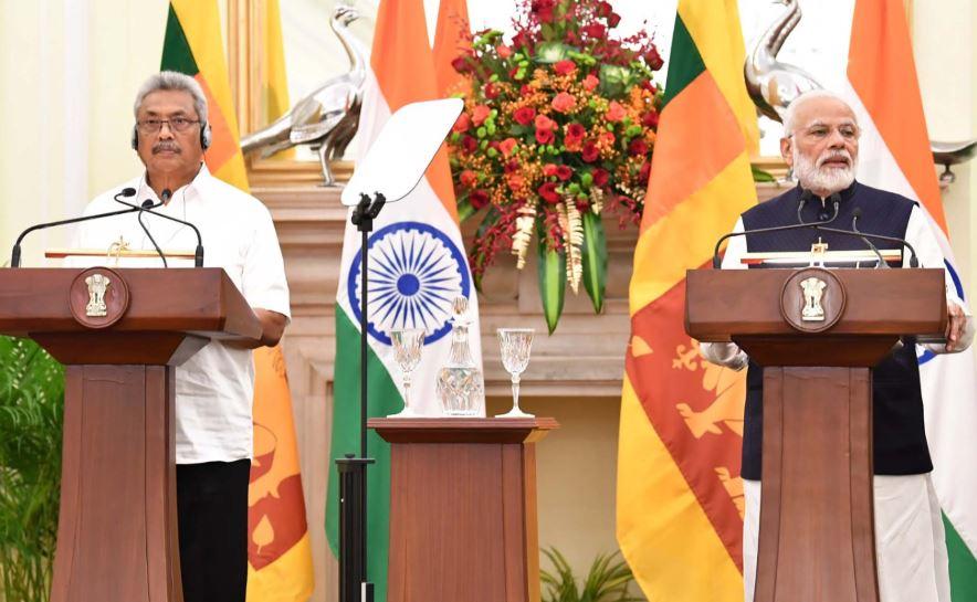 Prime Minister Narendra Modi and Sri Lanka President Mahinda Rajapaksa