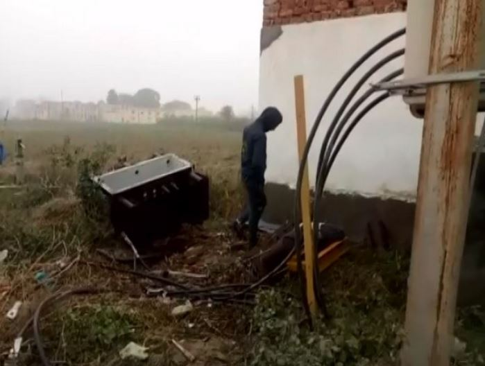 Armer robbers loot material worth Rs 8 lakh from transformer at power house in UP's Shamli