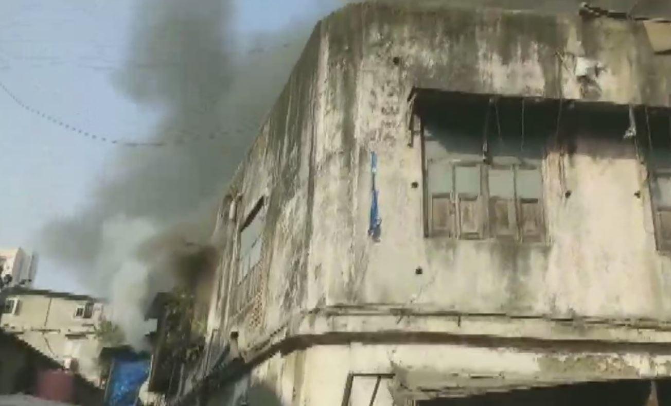 Massive fire in Mumbai building