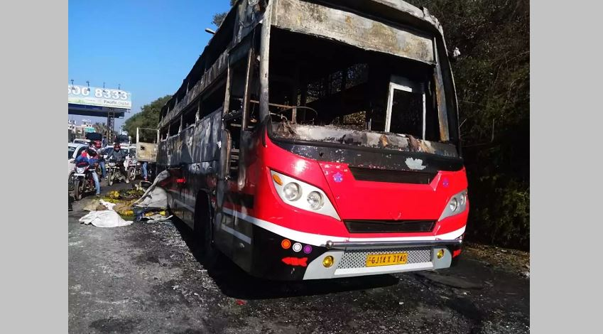 Luxury bus catches fire, no casualties