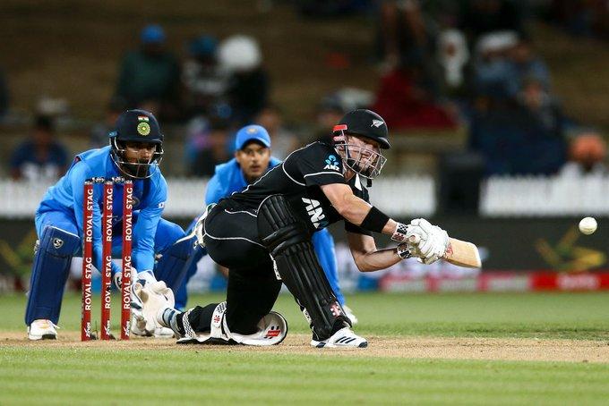 New Zealand wins by 4 wickets