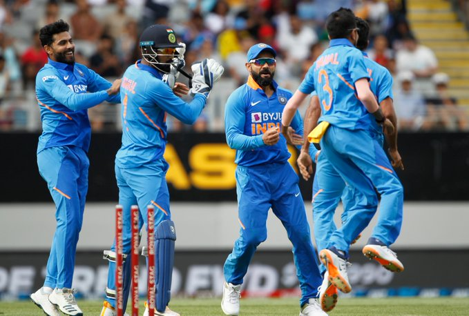 Indian players in action against New Zealand in second ODI
