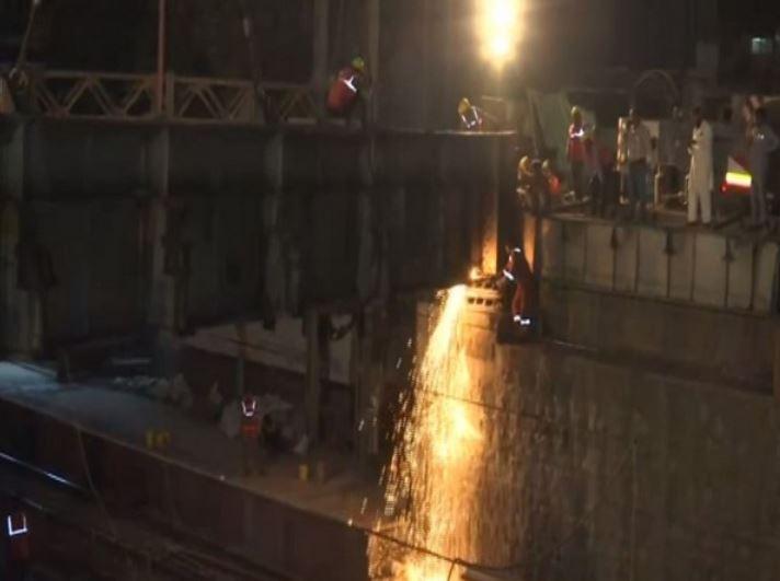 Dismantling of girders on Frere bridge being undertaken in Mumbai