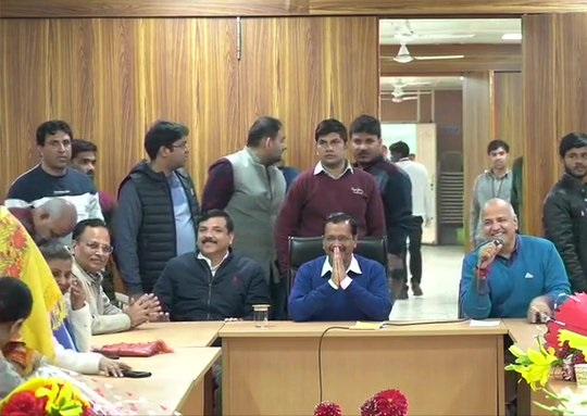 Arvind Kejriwal in meeting