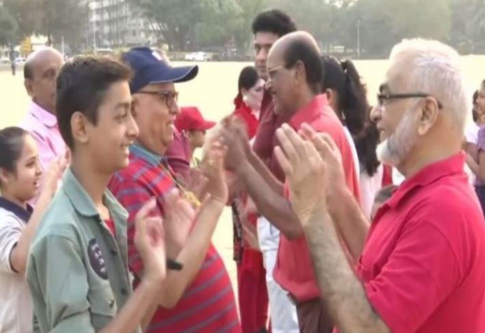 Senior citizens celebrates Valentine's Day with laughter club in Mumbai