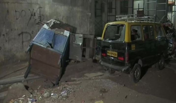 Visual from the site where the clash broke out in Chembur on Friday. Photo/ANI</i>