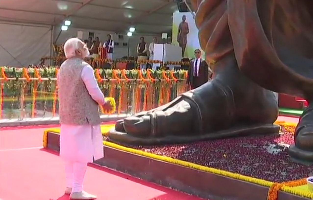 PM unveils statue of Deendayal Upadhyaya in Varanasi