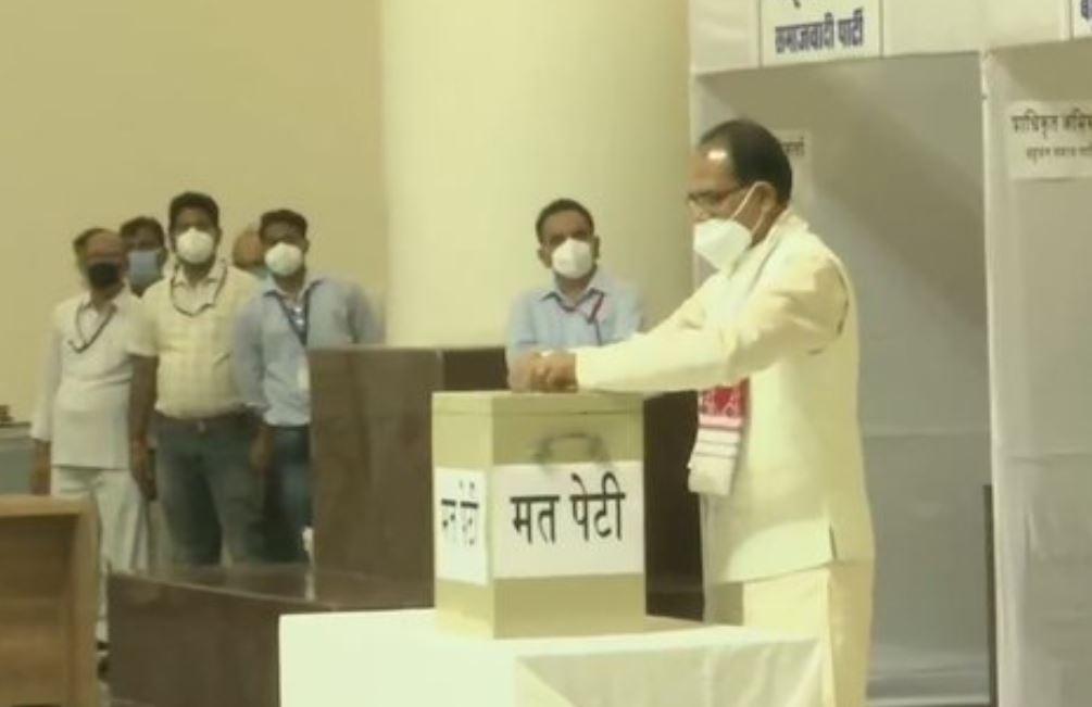 Madhya Pradesh Chief Minister Shivraj Singh Chouhan cast his vote