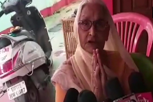 Sarla Devi, mother of the gangster