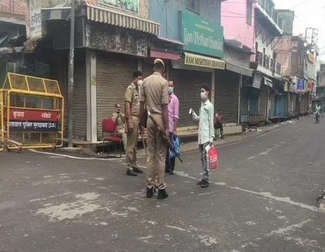 Strick lockdown imposed in Moradabad.