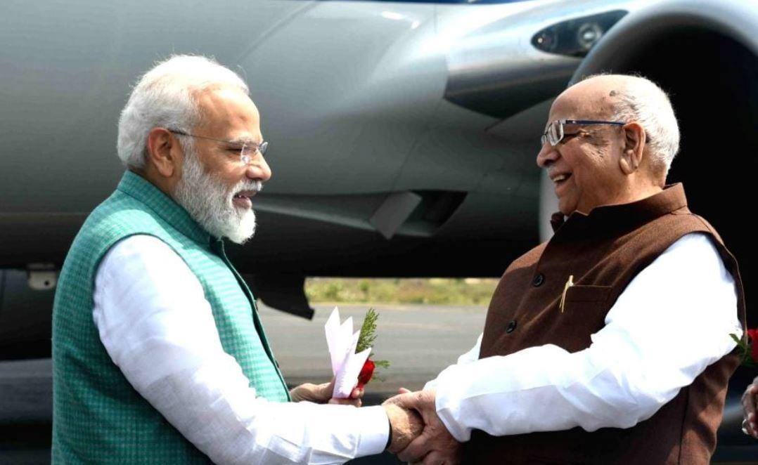 Prime Minister Narendra Modi and MP Governor Lalji Tandon