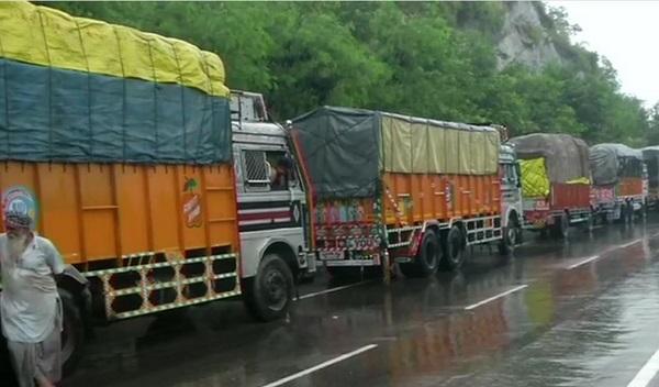 Trucks  stuck on Jammu Srinagar National Highway