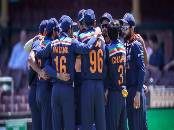India skipper Virat Kohli with teammates