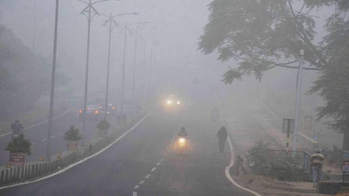 Dense fog engulfs Delhi