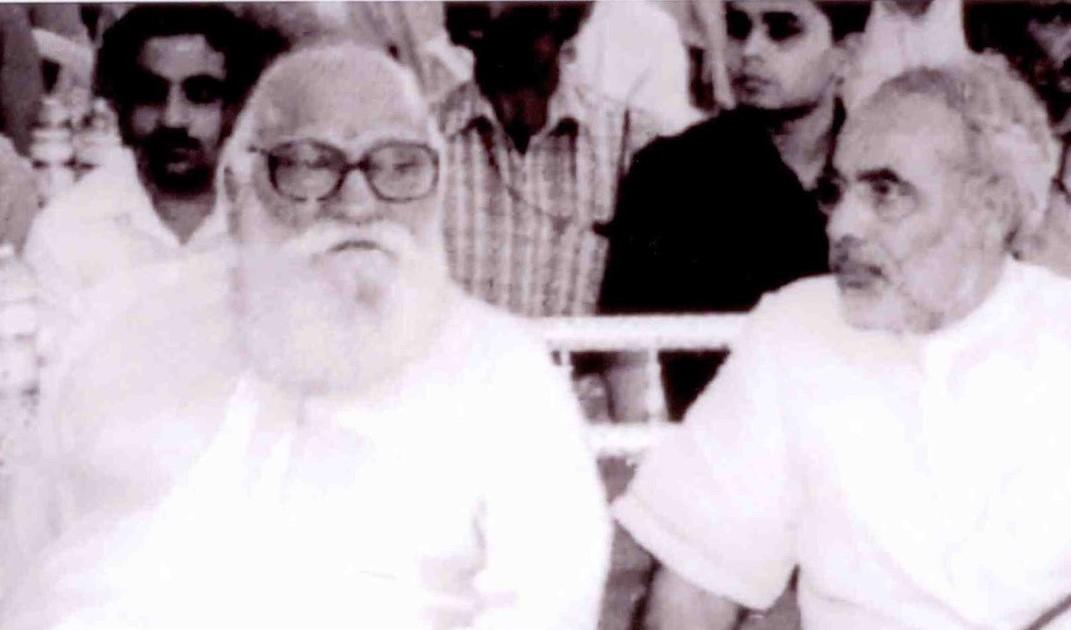Once upon a time: Nanaji Deshmukh with Narendra Modi