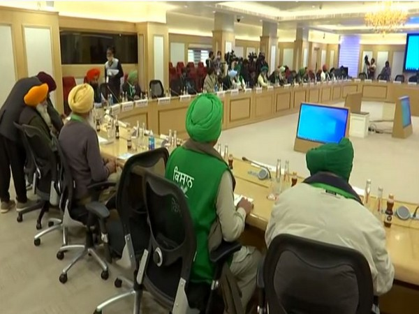 Visuals from 9th round of meeting between govt, farmer leaders underway at Vigyan Bhawan