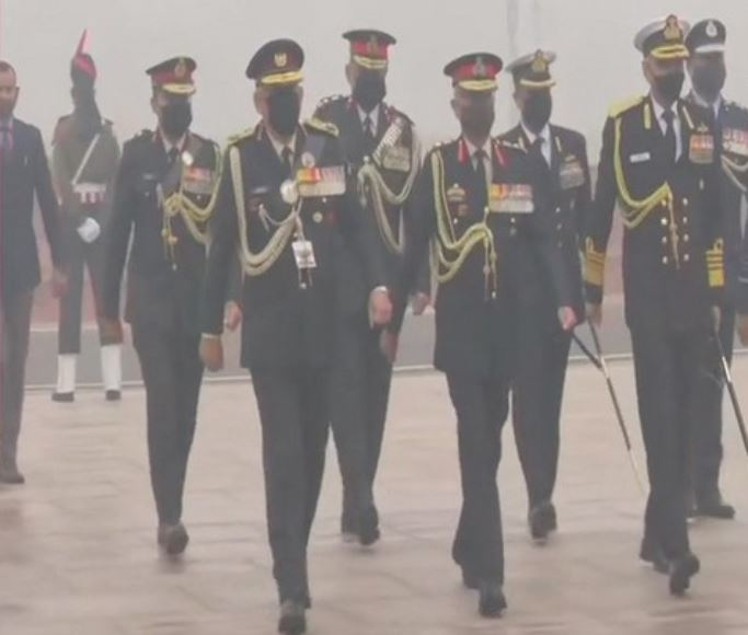 CDS Gen Bipin Rawat, three Armed forces Chiefs pay tribute at National War Memorial