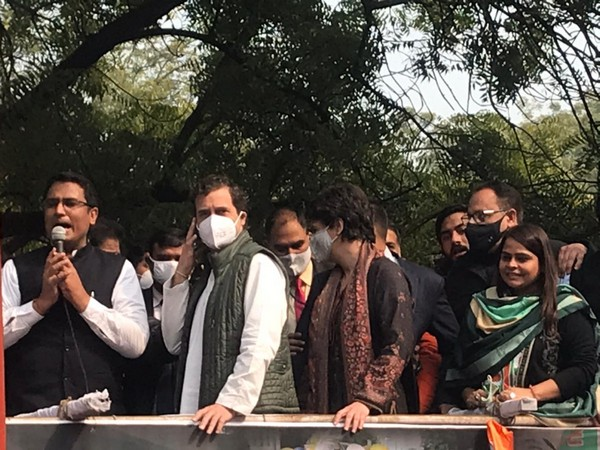 Congress leader Rahul and Priyanka Gandhi arrive for Raj Bhawan gherao in Delhi (Photo: Congress Twitter)