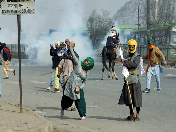 Visual from the violence during tractor rally in Delhi on January 26
