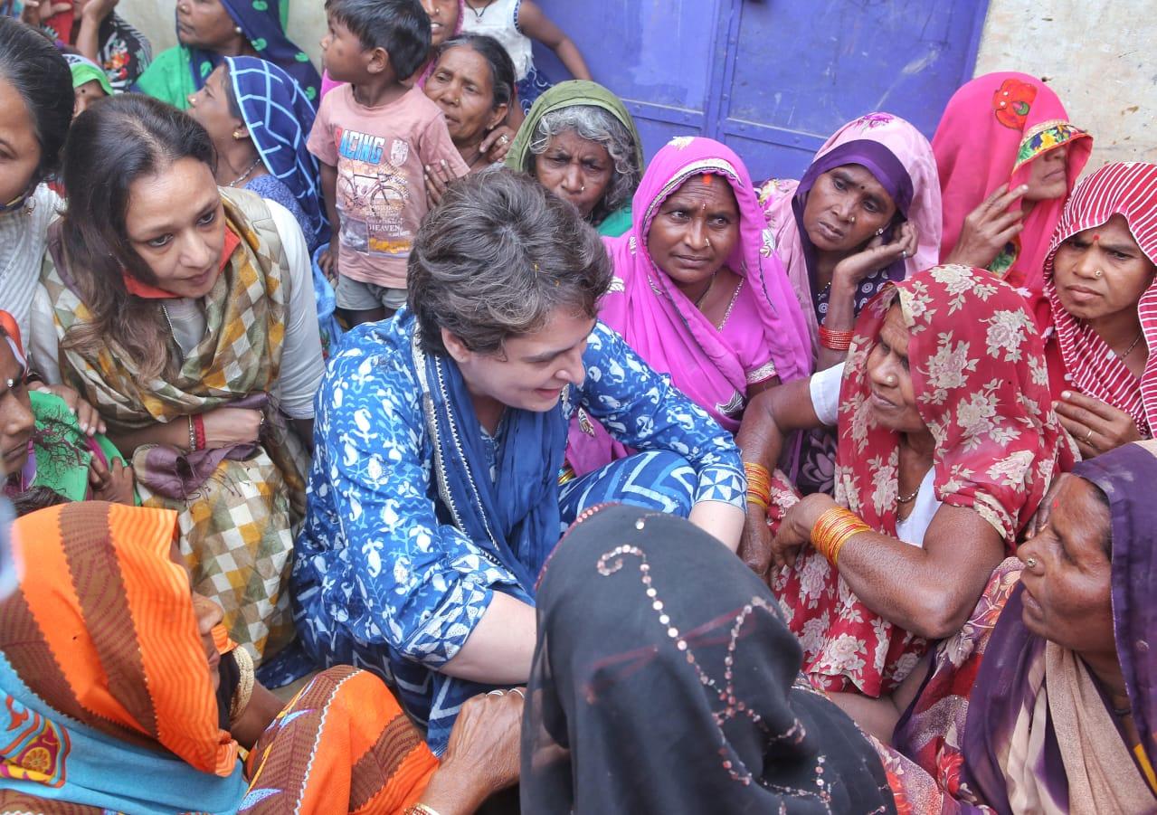 Priyanka Gandhi Vadra on Sunday reached Prayagraj in Uttar Pradesh to extend support to boatmen who were allegedly harassed by local police