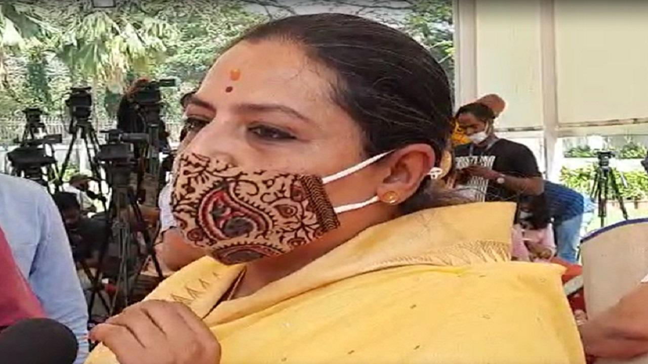 Shweta Mahale, MLA, raised the incident