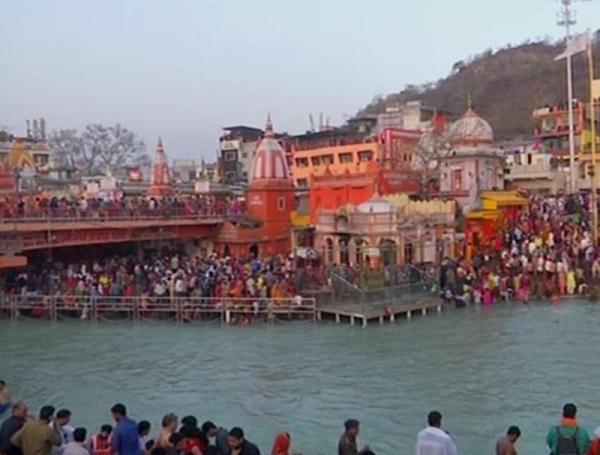 Devotees take holy dip in Haridwar on Maha Shivratri