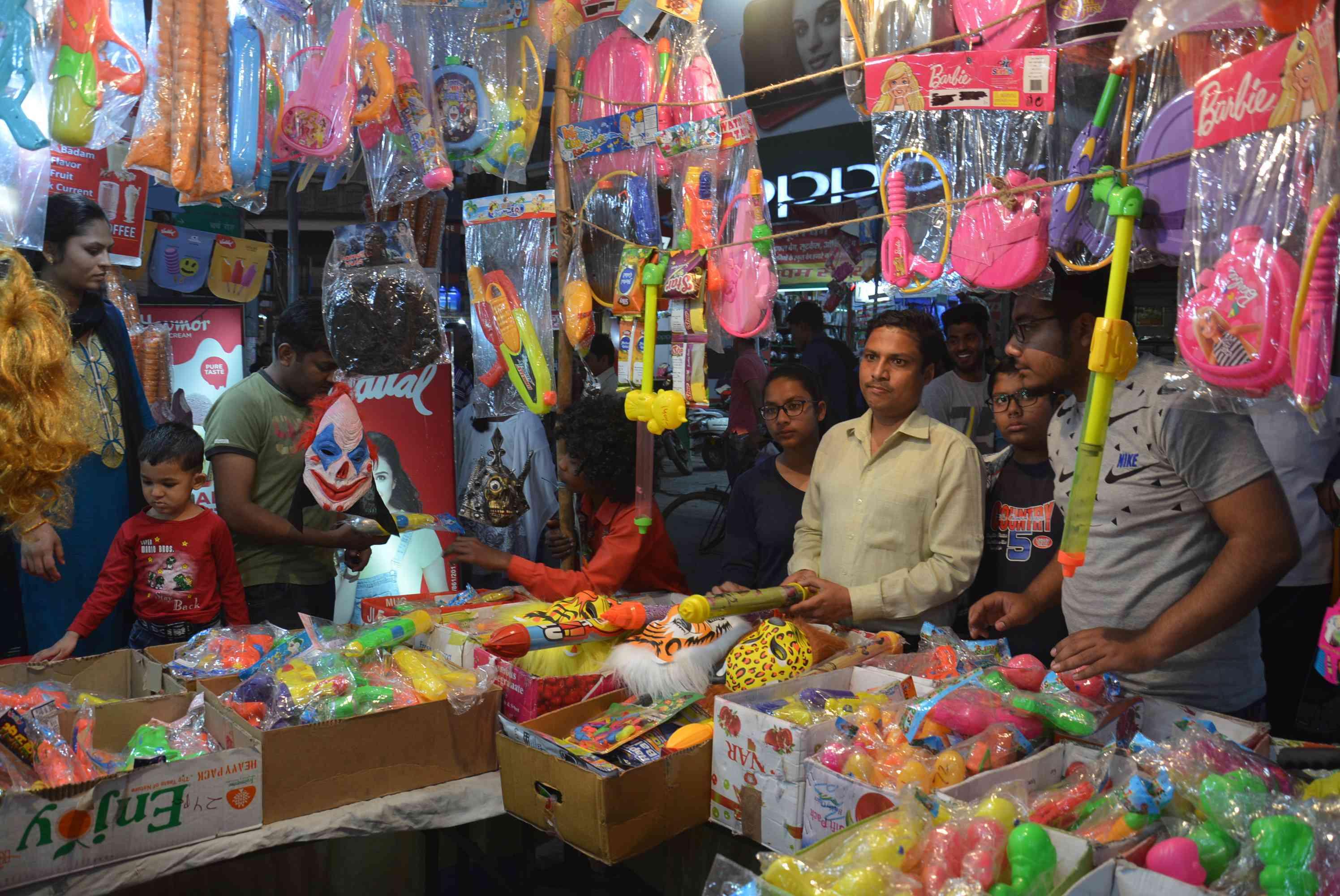 Markets in Uttar Pradesh before Holi (File Photo)