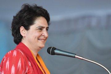Priyanka Gandhi Vadra addressing a rally Kerala