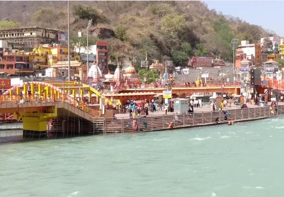 Kumbh Mela witnesses a low footfall of devotees at Har Ki Pauri ghat in Haridwar