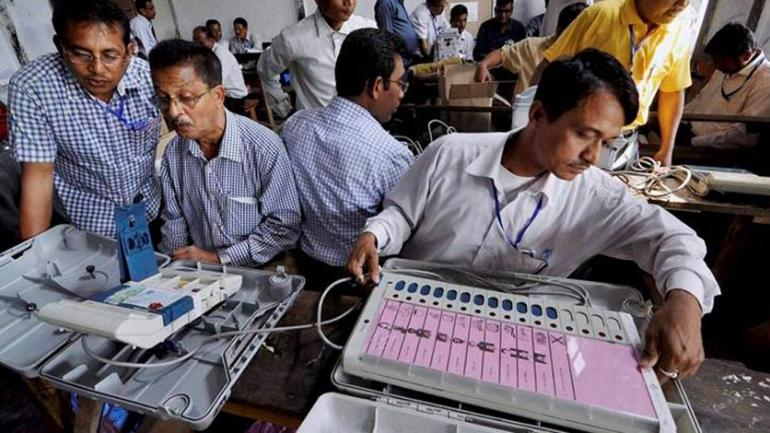 ECI officials Count votes (File Photo)