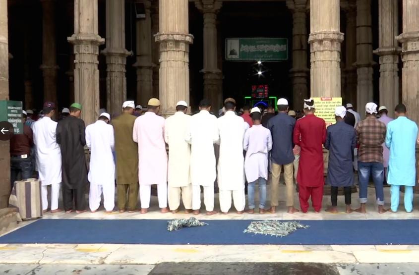 Devotees offer namaz at Jama Masjid, Ahmedabad on the occasion of Eid-al-Adha