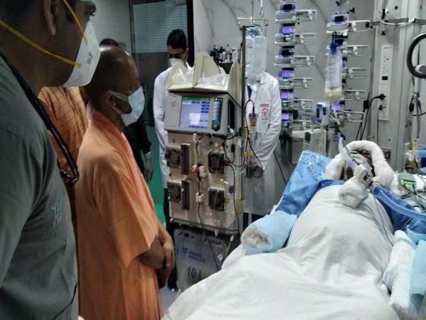 UP CM Yogi Adityanath visited Hospital to meet Kalyan Singh