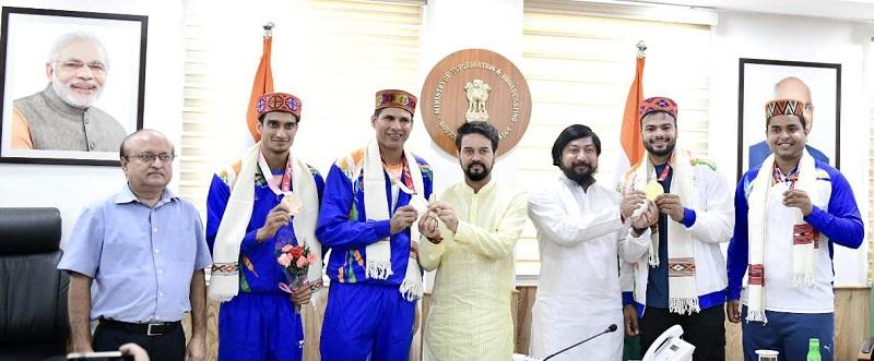 Sports Minister Anurag Thakur felicitates para athletes