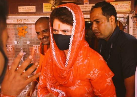 Priyanka Gandhi  visited Hanuman temple, Raebareli yesterday